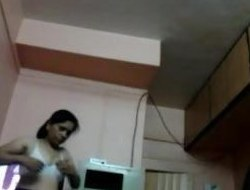 reshma bhabhi caught changing suit